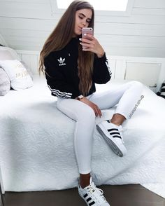Pin by Thamie Duong on Outfit in 2019 Cute Sporty Outfits, Basic Outfits, Sport Outfits, Trendy Outfits, Cool Outfits, Summer Outfits, Cute Addidas Outfits, Adidas Superstar Outfit, Adidas Outfit