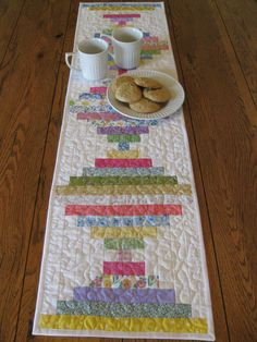 Courthouse Steps Quilted Table Runner, etsy