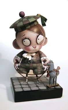 Spanish illustrator Ramon PLA draws interesting images that are sometimes embodies the dolls made by hand or on the basis of Munny.