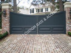 custom wooden driveway gate 133