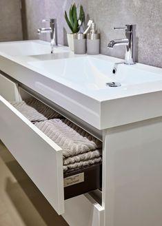 De palitano serie kenmerkt zich door zijn robuuste karakter en elegante composiet wastafel. Dit meubel is het enige meubel van Bruynzeel  te  bestellen met een breedtemaat van 160cm, een eye-catcher voor de ruime badkamer. De set is verkrijgbaar met verschillende opties spiegels en in diverse kleuren. Sink, Interior Design, Bathroom, House, Inspiration, Home Decor, Image, Products, Hair