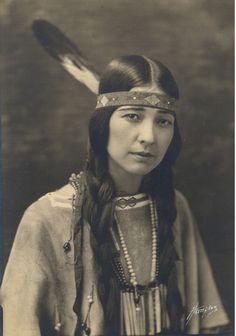 INDIANS ¥ Te Ata Chickasaw Native American named Te Ata who was a Native Storyteller