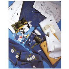 Beställ och brodera och sy själv Sverigedräkten / sverigeklänningen. Materialsatsen innehåller det du behöver för att få en egen Sverigedräkt. I paketet ingår materialet till blusen, klänningen, förklädet och till hättan. Du beställer materialet här och sy din egen Sverigedräkt. Mönsterstorlek till både small, medium och large ingår. Beställ i vår webbutik online på nätet här.