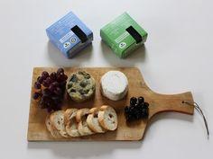 #BotanicTrueBlue #BlueCheese #VeganCheese #VeganBlueCheese #Blue #TrueBlue #DairyFree #GlutenFree #SansProduitsLaitiers #DairyFreeCheese Dairy Free Cheese, Vegan Cheese, Sans Gluten, Gluten Free, Fromage Vegan, Business Help, Blue Cheese, Posts, Dairy
