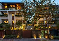 Filipino architect Bobby Mañosa Filipino Architecture, Townhouse, Mansions, House Styles, Bobby, Home Decor, Decoration Home, Terraced House, Manor Houses