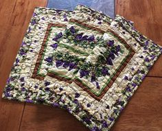 Country Vineyard Quilted Table Runner by clubaloha on Etsy