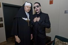 RT: @Dragged_out: The biggest priest of LA with abeginnernun @marilynmanson @marilynmansonc @MansonFacts @Papercutsv