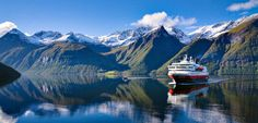 Explore Norway with Hurtigruten