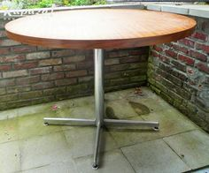 Table ronde, Tafels, Evere | Kapaza.be