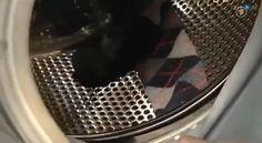 Heb jij ook een hele mand vol met losse sokken... Waar is die andere sok toch gebleven? In deze video vind je het antwoord! Tijdens het was kan je sok namelijk achter de wastrommel komen... Oeps! In de wasmachine zit een kier tussen de trommel en de rubberen rand, waar kleine kledingstukken – zoals sokken…