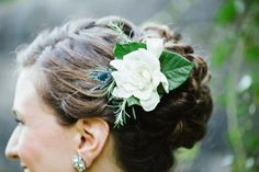 Bridal Hair Ideas With Fresh Flowers | photography by http://www.summerstreetphotography.com/