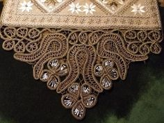 Hand Embroidery, Decorative Boxes, Lace, Pattern, Crafts, Beautiful, Fashion Dresses, Hardanger, Embroidery