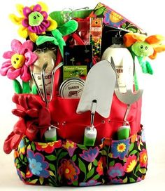 From growing kits to planters and even jewelry, there is no shortage of garden- gifts. Whether the gardener on your holiday gift list grows vegetables. Best Gift Baskets, Themed Gift Baskets, Raffle Baskets, Theme Baskets, Spa Gifts, Food Gifts, Craft Gifts, Boyfriend Gift Basket, Boyfriend Gifts