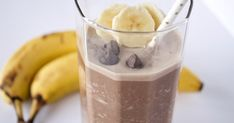 Super Healthy Protein Shake For Snack Time Healthy Recipes When you live the busy routines, snacks can be useful when hunger hits and you don't have time to prepare a meal. However, many snack foods available today are Healthy Chocolate Shakes, Healthy Protein Shakes, Chocolate Peanut Butter Smoothie, Chocolate Protein Powder, Protein Shake Recipes, Protein Snacks, Chocolate Flavors, Snack Recipes, Healthy Recipes