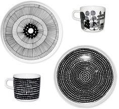 marimekko design inspiration Gifts Kids Can Make: DIY Modern Art Plates Porcelain Pens, Porcelain Ceramics, Ceramics Tile, Fine Porcelain, Craft Robo, Pebeo Porcelaine 150, Sharpie Art, Gifted Kids, Plate Crafts