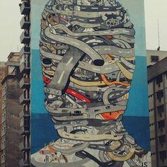 Quase pronto! Gracias a todos, obrigado. Feliz que os vizinhos do Minhocão reconheceram o esforço. Viva São Paulo! #Regram @marcossfernandesss #minhocão #saopaulowalk #saopaulocity #tec #tecfase #saopaulo #elevadocostaesilva #art #arte #muralnominhocao #muralart #pintura #minhocao    tecfase, artist