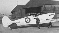 PRU Spitfire Mk.C later converted to PR Mk.V - PRU RAF Benson 20-6-41