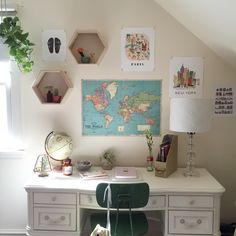 Image about home in room decor by Jimena on We Heart It Uni Room, Dorm Room Desk, Room Goals, Home And Deco, Dream Rooms, My New Room, House Rooms, Bedroom Decor, Map Bedroom