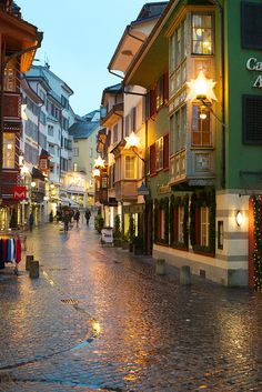 Rainy Zurich, Switzerland http://www.flickr.com/photos/carstenmurawski/