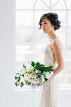 Bridal inspiration: http://www.stylemepretty.com/little-black-book-blog/2015/04/14/elegant-spring-garden-wedding-inspiration/ | Photography: Sarah Bradshaw - http://sarahbradshawphotography.com/
