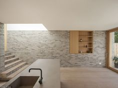 Al-Jawad Pike Private House, Stoke Newington, London — Architecture Minimalist Kitchen, Minimalist Design, Modern Design, Black Kitchen Cabinets, Black Kitchens, Kitchen Floor, London Architecture, Interior Architecture, Timber Sliding Doors
