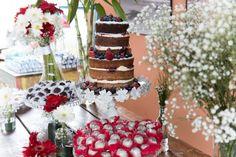 Mesa do bolo e dercoração
