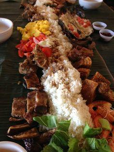 Villa Manila - Filipino: kamayan style dinner - National City, San Diego, CA Filipino Dishes, Filipino Recipes, Filipino Food, Asian Recipes, Ethnic Recipes, Boodle Fight Party, Pilipino Food Recipe, Sinigang, Philippines Food