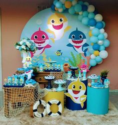 Festa Baby Shark: 70 ideias e tutoriais para uma decoração animal - Shark Birthday Cakes, Baby Boy 1st Birthday Party, Boys 1st Birthday Party Ideas, Baby Party, Shark Party Decorations, Baby Shark, Bubble Guppies Party, Bernardo, Lucca