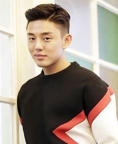 The men's perm type, - Man Fashion Side Part Hairstyles, Classic Hairstyles, Undercut Hairstyles, Boy Hairstyles, Korean Men Hairstyle, Korean Haircut, Mens Perm, Yoo Ah In, Side Part Pompadour