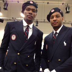 Here is a photo of Team USA players Carmelo Anthony and Kevin Durant in the suits they will wear in the opening ceremony at the 2012 London Olympics. Ralph Lauren Looks, Ralph Lauren Brands, 2012 Summer Olympics, Us Olympics, Yolo, Ralph Lauren Olympics, London Olympic Games, Olympics Opening Ceremony, Hot Black Guys
