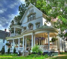 Victorian Architecture--the porches are magnificent! Victorian Architecture, Beautiful Architecture, Beautiful Buildings, Architecture Design, Classical Architecture, Architecture Office, This Old House, My House, House Porch