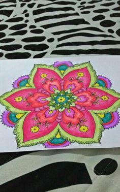 El color de las mandalas By: Juliana Bravo