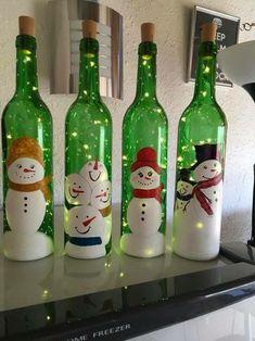 wine bottle Christmas Crafts DIY: Christmas Lights in a Bottle Old Wine Bottles, Christmas Wine Bottles, Wine Bottle Art, Painted Wine Bottles, Lighted Wine Bottles, Diy Bottle, Antique Bottles, Vintage Bottles, Beer Bottle