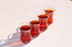 ZEYBEK: Teepause beim ErntenZeytin toplarken cay molasiWer...