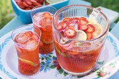 Strawberry & lime sparkling punch main image