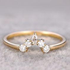 Curved wedding band by HKJ Wedding Ring  #curvedweddingband #ring #band #eternity #womenband #hkjweddingjewelry #hkjweddingring #diamond #moissanite