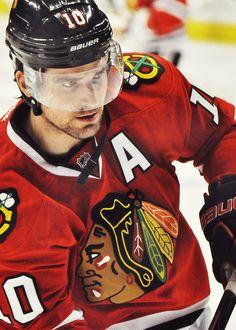 Patrick Sharp, Chicago Blackhawks (via ryangetzy)
