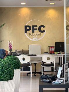 Adesivo muro prespaziato Web Design, Wall Decor, Interior Design, Furniture, Home Decor, Stickers, Room Wall Decor, Nest Design, Homemade Home Decor