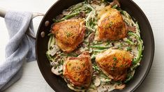 Tonight's dinner is one-and-done with these seasoned chicken thighs served with a flavorful creamy sauce, fresh green beans and mushrooms. It's an easy and delicious dinner everyone can get behind.