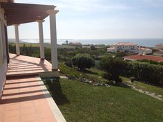 Villa Berlenga, Praia d'El Rey, Peniche, Portugal. Comfortable holiday rental villa near the beach and hotel of Praia d'El Rey. Relax on the sun terrace and enjoy stunning ocean views and sunsets...