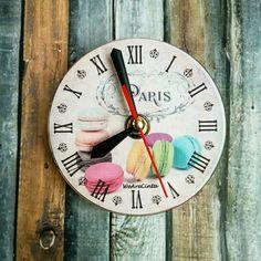 Macaron clock
