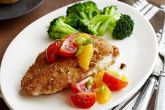 In this weeknight-quick chicken dish, a rich, nutty exterior is perfectly balanced by a refreshing citrus-tomato topping. Quick Chicken Dishes, Chicken Recipes, Chicken Meals, Chicken Broccoli, Real Food Recipes, Healthy Recipes, Citrus Recipes, Pecan Crusted Chicken, Eating Light