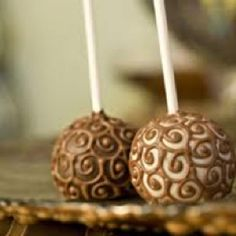 These would work for any kind of party (bridal shower, birthday, wedding, etc.) Cake Pops Brownie Pops They are just so cute, sma. Pops Brownie, Cookie Pops, Brownie Bites, Edible Party Favors, Edible Gifts, Cupcakes, Cupcake Cakes, Cake Truffles, Chocolate Swirl