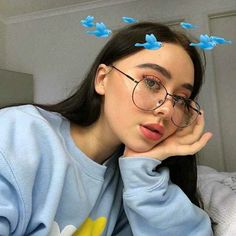 Meet your Posher, Brandy Hi! I'm Brandy. Feel free to leave me a comment so that I can check out your closet too. Aesthetic Makeup, Aesthetic Photo, Aesthetic Girl, Aesthetic Pictures, Sweet Girls, Pretty Girls, Cute Girls, Cute Makeup, Makeup Looks