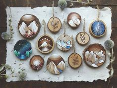 American artist Kimera Wachna has quit her boring office job and spends most of her time making mini paintings and wood-burned pieces on recycled wood. Wood Burning Crafts, Wood Burning Art, Wood Crafts, Diy And Crafts, Arts And Crafts, Recycling, Josi, Mini Paintings, Wood Slices