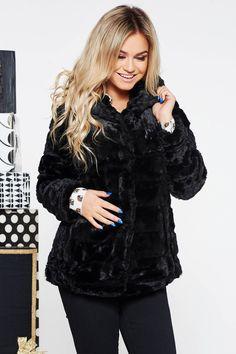 Bomber Jacket, Winter Jackets, Fashion, Winter Coats, Moda, Winter Vest Outfits, Fashion Styles, Fashion Illustrations, Bomber Jackets