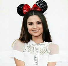 Selena Gomez Edit Minnie Mouse