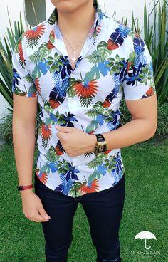 Stylish Shirts, Casual Shirts, Camisa Floral, Flower Jeans, Nigerian Men Fashion, Shirt Embroidery, Mens Fashion Suits, Summer Shirts, Mens Clothing Styles