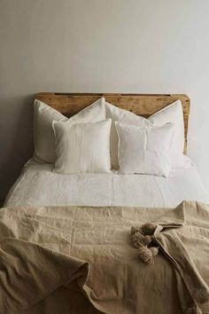 Experience the pure comfort of our bed linen. Available in different colours for you to mix and match. This time we went for a natural look. Dream Bedroom, Home Bedroom, Bedroom Decor, Bedrooms, Interior Concept, Interior Design, Architecture Design, Style Simple, Neutral
