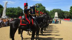 Where's the other, less crowded Changing of the Guard in London? And this one involves horses! I'll tell you where to see it.